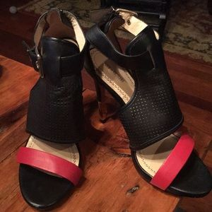 Pour la Victoire high heels